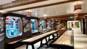 Puerto Rican artist creates murals on Richard Branson's cruise ship