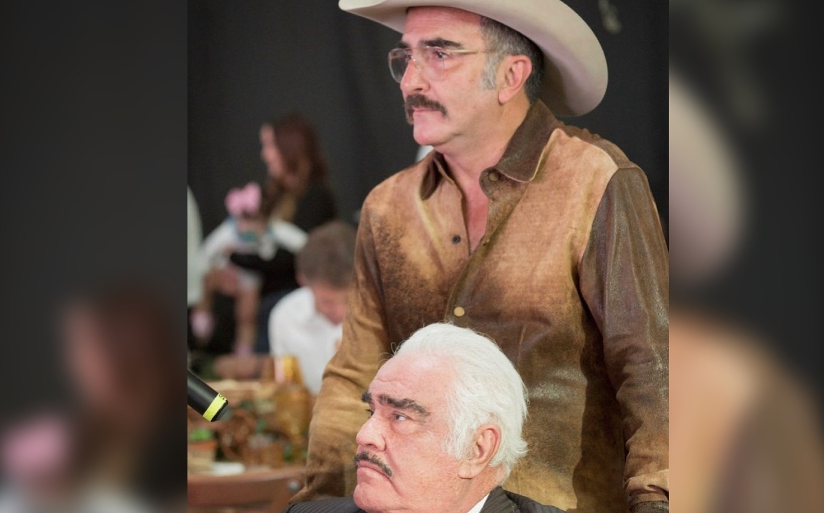 Vicente Fernandez. Son counts singer takes therapy twice a day