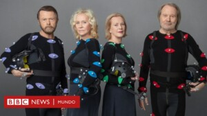 The legendary Swedish band Abba announces their return after almost 40 years apart - BBC News World