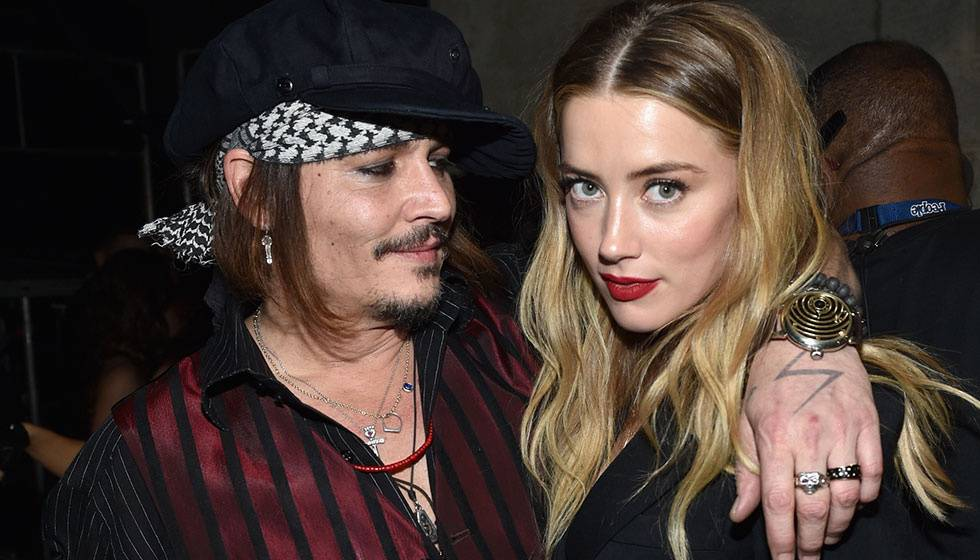 1631505871 74 Johnny Depp transforms into Jack Sparrow again and thrills his