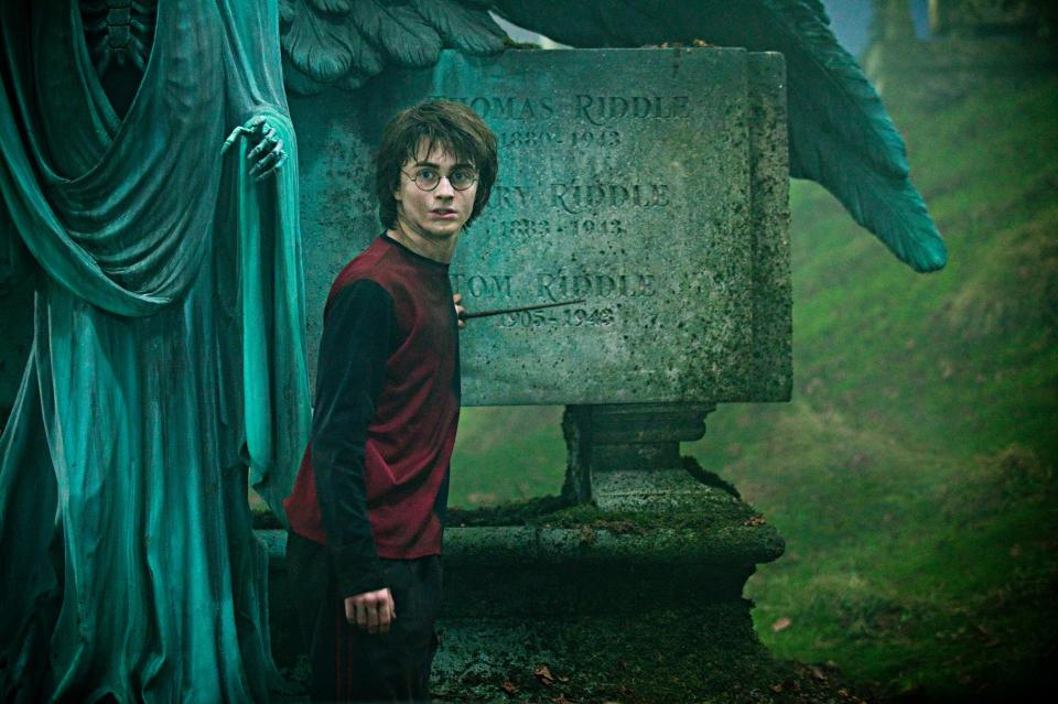 1631751202 193 Daniel Radcliffe is worlds away from Harry Potter in skinny
