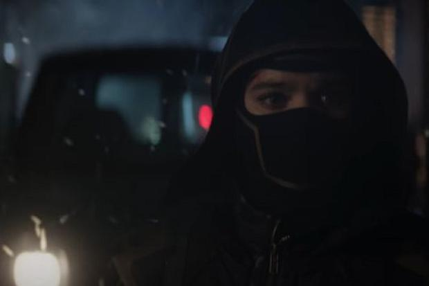 Kate dons the masked suit after Ronin's disappearance (Photo: Marvel Studios / Disney +)
