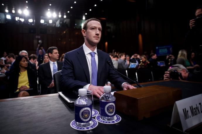 Informes de Facebook admiten que Instagram daa a las adolescentes, aunque Zuckerberg lo niega