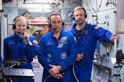 Peresild, cosmonaut Anton Shkaplerov and filmmaker Klim Shipenko at the Cosmonaut Preparation Center, at the last rehearsal, on September 8.