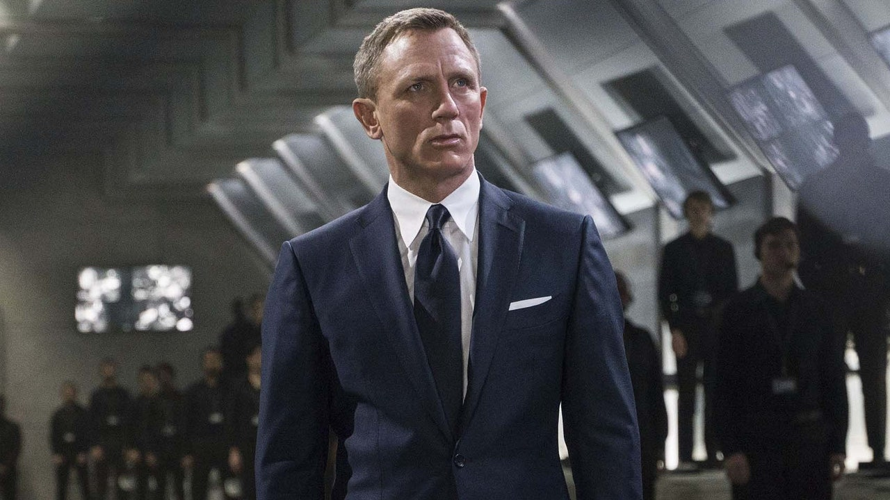 1631897012 How much money does Daniel Craig have the one responsible