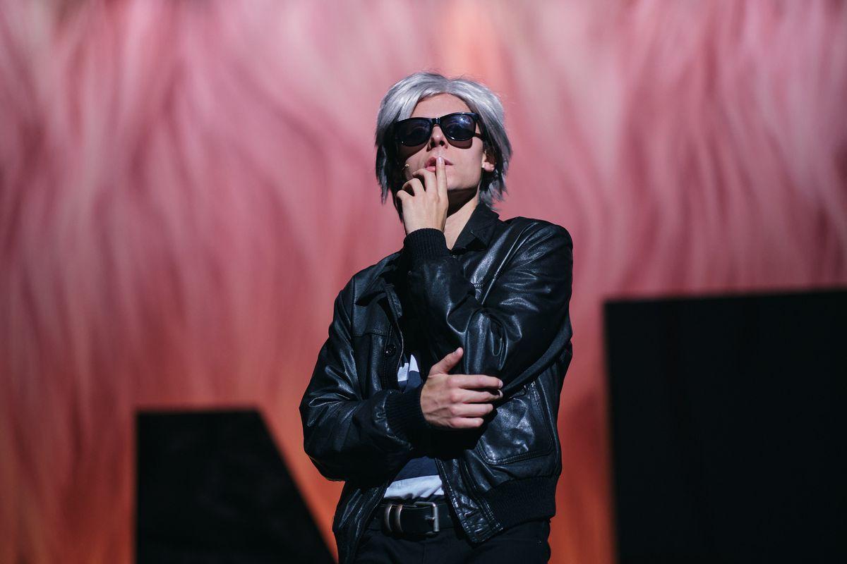 1632399162 Gus Van Sant pays off his debt to Warhol