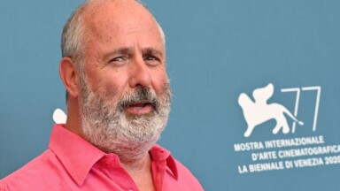 Roger Michell, director of 'Notting Hill', dies at 65
