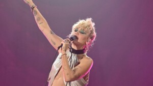Miley Cyrus suffers a panic attack during one of her concerts in the US | VIDEO