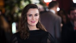 Keira Knightley faces an apocalyptic Christmas in 'Silent Night' (Trailer)