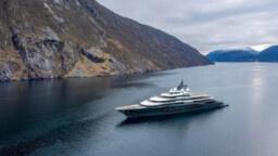 This is Jeff Bezos' $ 500 million mega-yacht where Beyoncé celebrated her 40th birthday