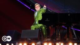 Elton John and Stevie Wonder open world concerts around the planet   DW   26.09.2021