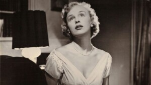 A beautiful actress from the Cine de Oro, she filmed her last film in Mexico with Pedro Infante; played the role of a man