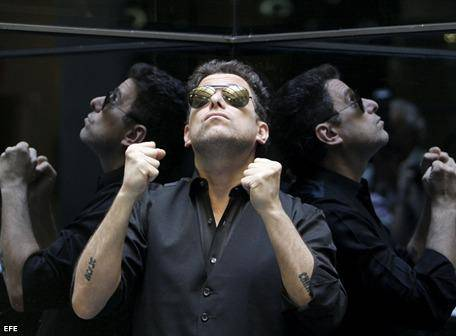A documentary about the life of Argentine musician Andres Calamaro