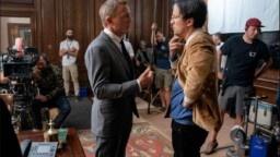 "A ""more vulnerable"" James Bond to fire Daniel Craig"