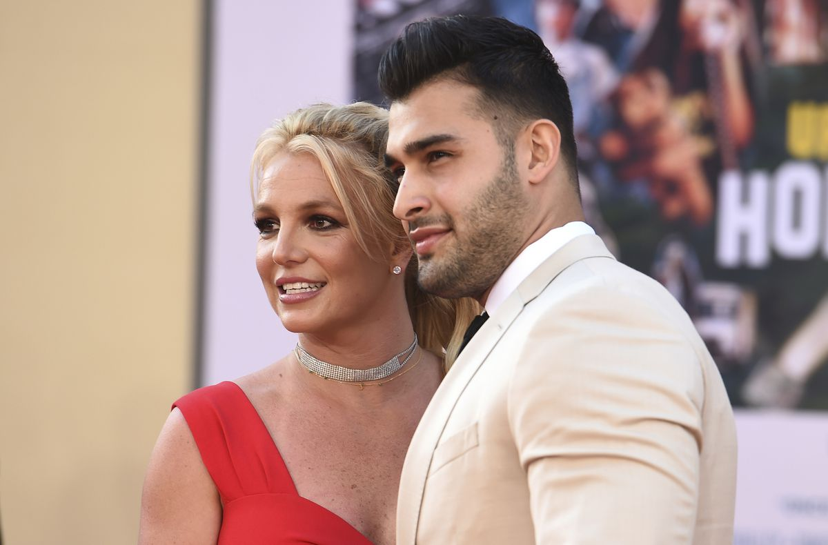 Britney Spears third wedding in sight announces her engagement to