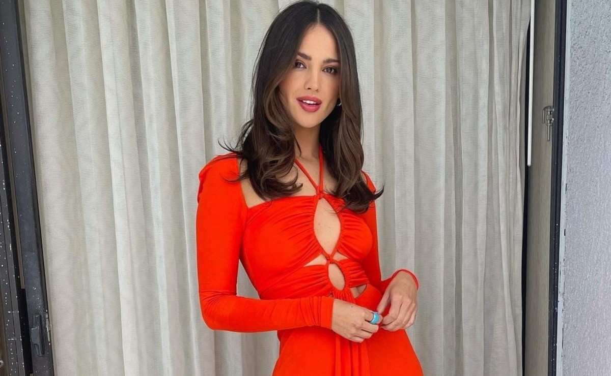 Eiza Gonzalez and Demi Moore together duel in evening dress