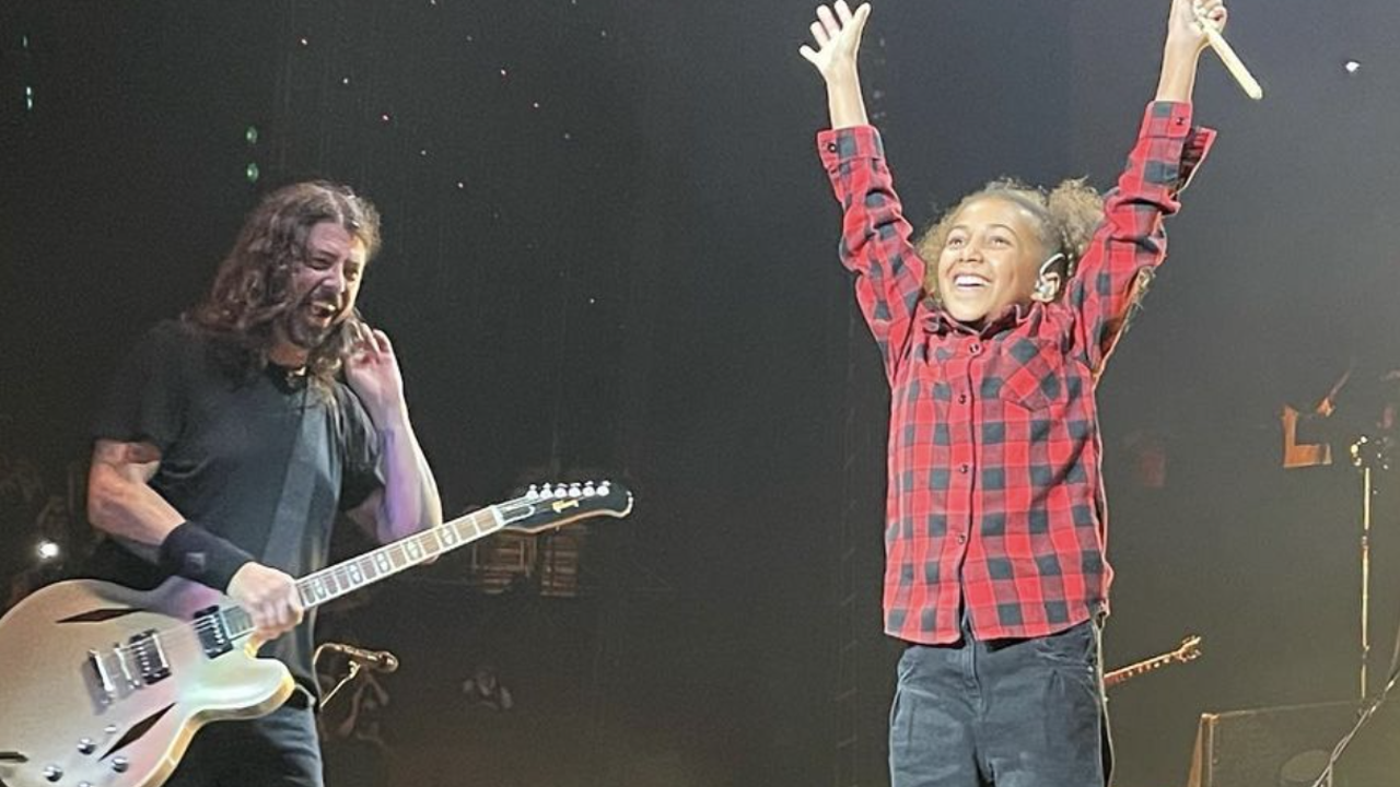 Foo Fighters Invites 11 Year Old Girl To Their Concert And Steals