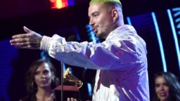 """J Balvin explodes against the Grammy Awards and invites famous reggaeton players: """"None should go"""""""