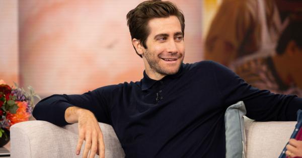 Jake Gyllenhaal clarifies that he does bathe often   Tomatazos