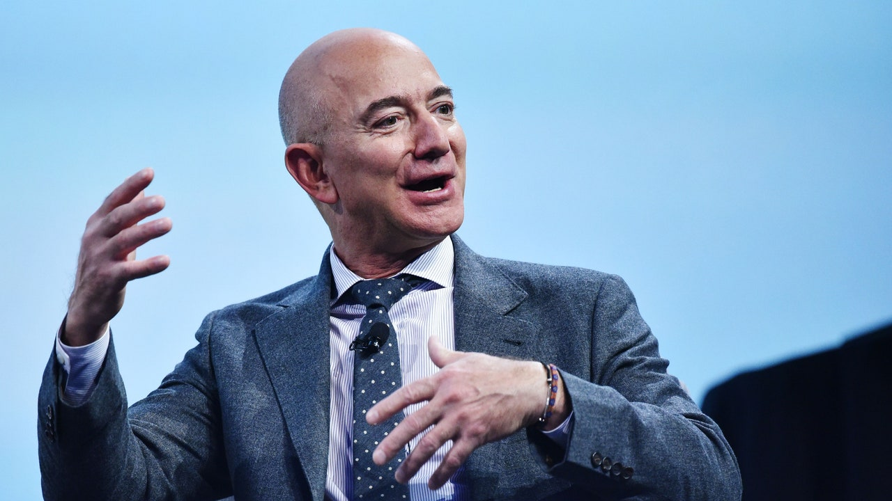 Jeff Bezos recommends these 7 books to learn the path