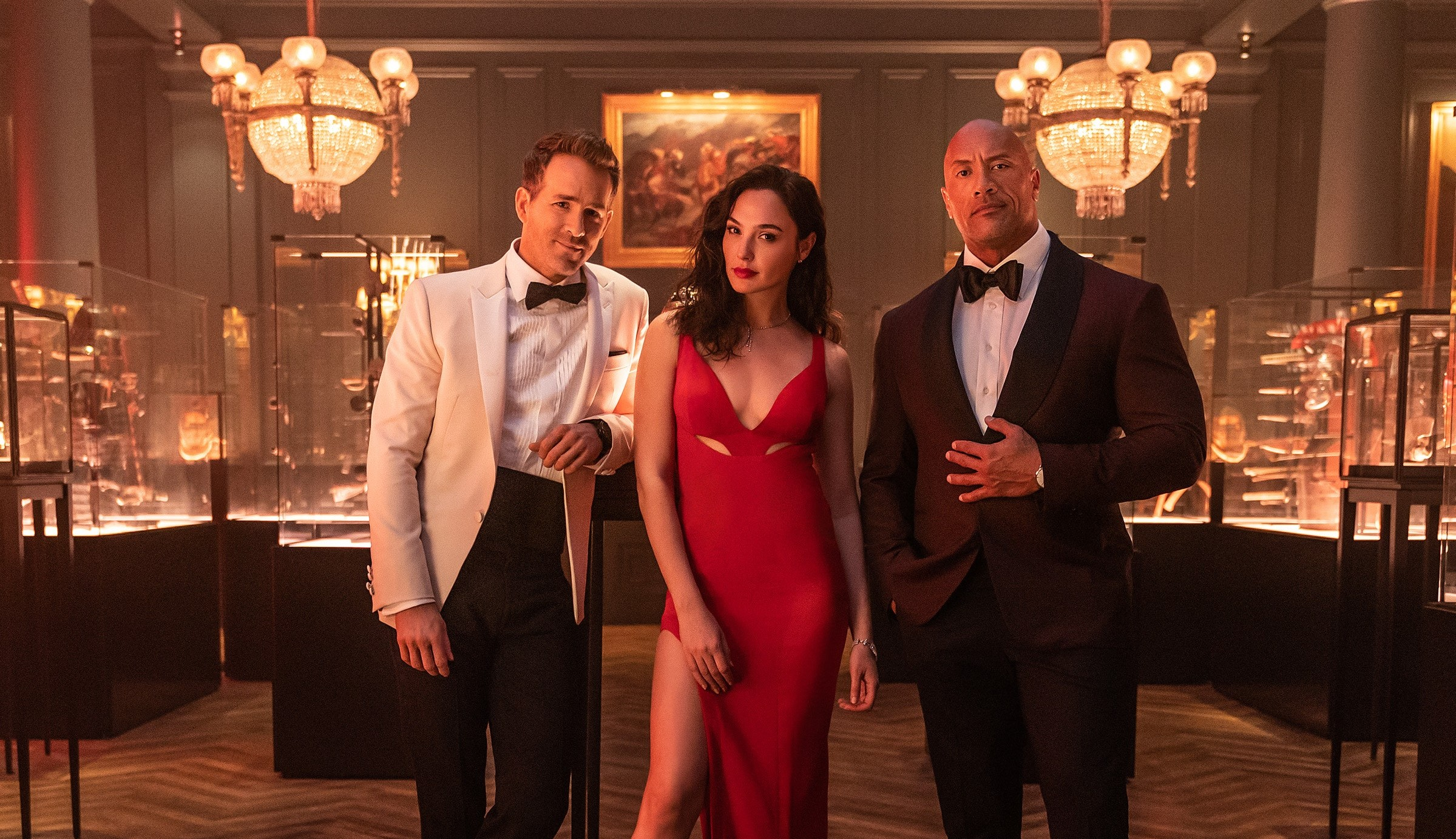 Ryan Reynolds, Gal Gadot and Dwayne Johnson chase each other in the trailer for 'Red Alert', the next Netflix movie