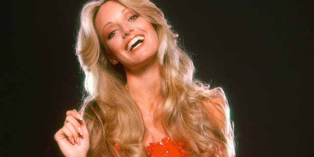 Susan Anton gets outspoken by becoming a '70s poster, befriending Kenny Rogers and Frank Sinatra E! News UK