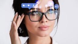 The Facebook Glasses, Mark Zuckerberg's new bet on Google