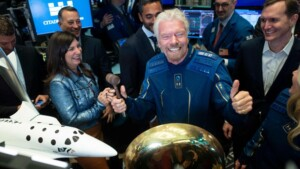 US investigates Branson's flight and its tourists into space