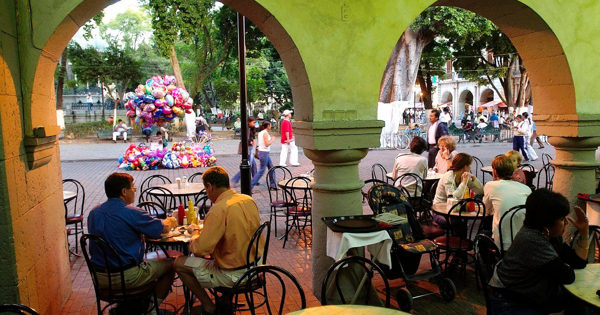 Yellow traffic light in Mexico City: what is the capacity at concerts, bars and restaurants?