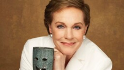 Julie Andrews, Mary Poppins, magic, smiles and tears. - LOFF.IT
