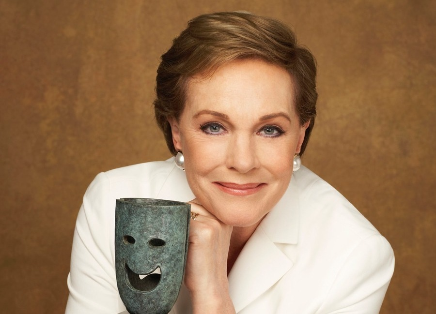 1633165975 748 Julie Andrews Mary Poppins magic smiles and tears LOFFIT