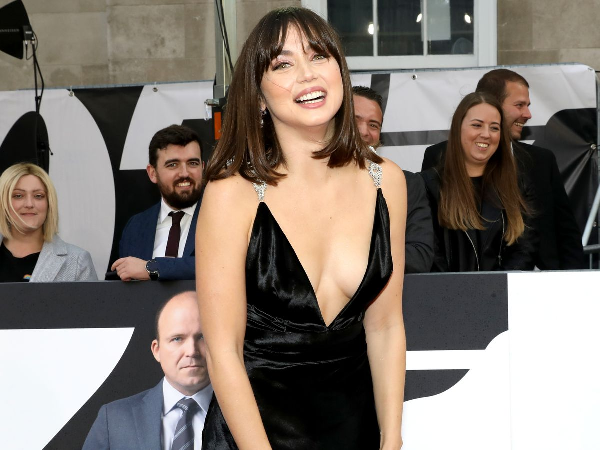 1633497574 Ana de Armas the assault on Hollywood that the pandemic