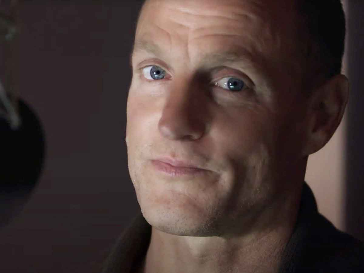 1633636651 Woody Harrelson suffers a violent incident