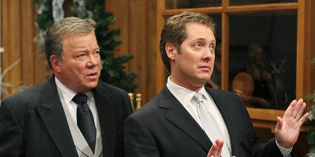 William Shatner (comme Denny Crane) et James Spader (comme Alan Shore) sur le tournage de 'Boston Legal.'