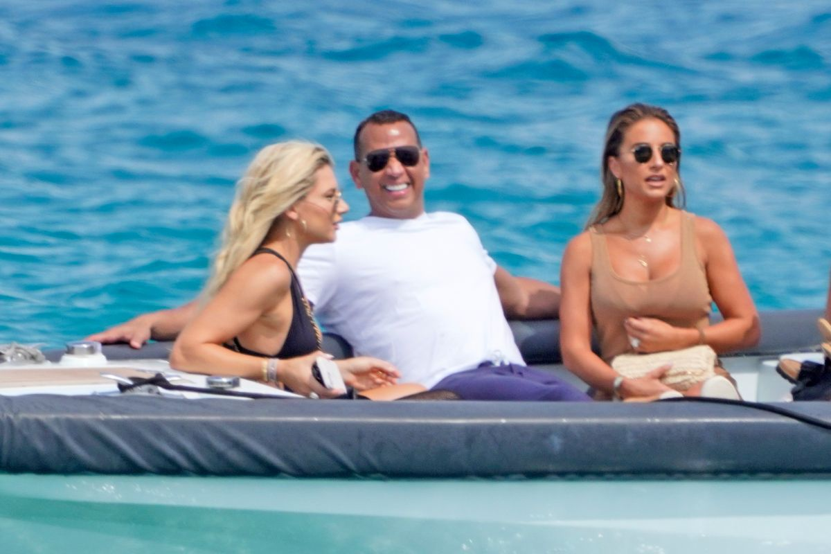 1634584804 Alex Rodriguez sent a hint to one of his