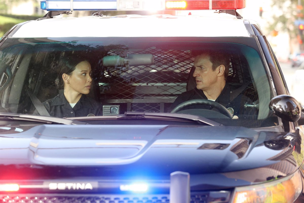 1634701905 Nathan Fillions series The Rookie returns with its fourth season