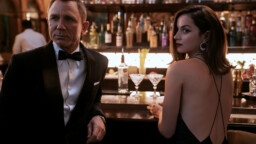 """AT THE MOVIE THEATER. """"Die can wait"""", does the latest James Bond with Daniel Craig keep its promises?"""
