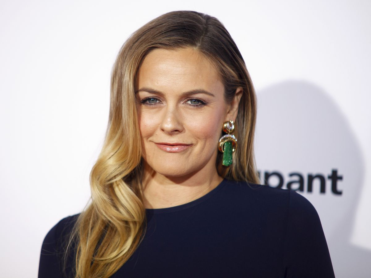 Alicia Silverstone confesses that she has been banned twice from