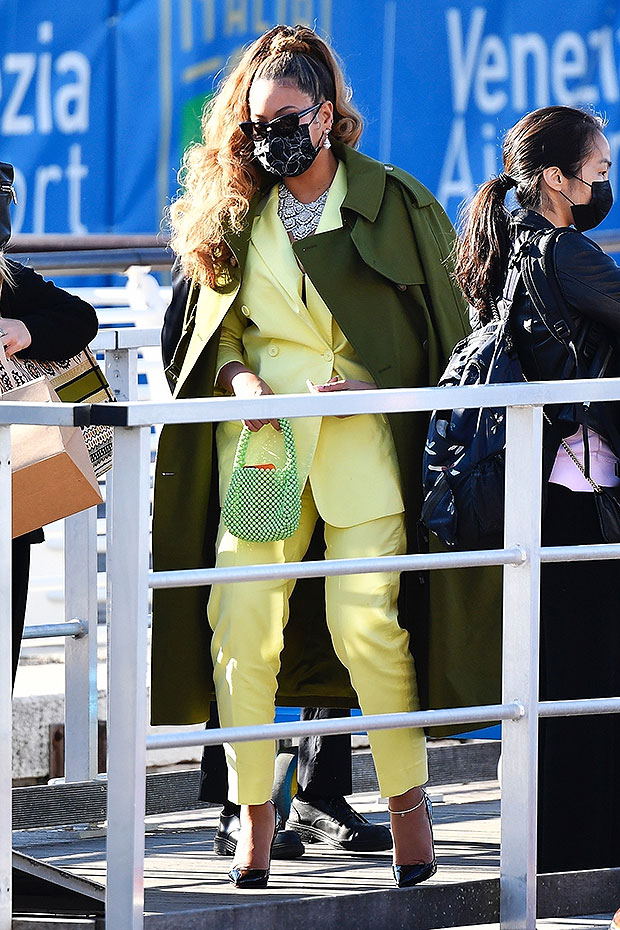 Beyonce kills in yellow suit as she leaves Venice with