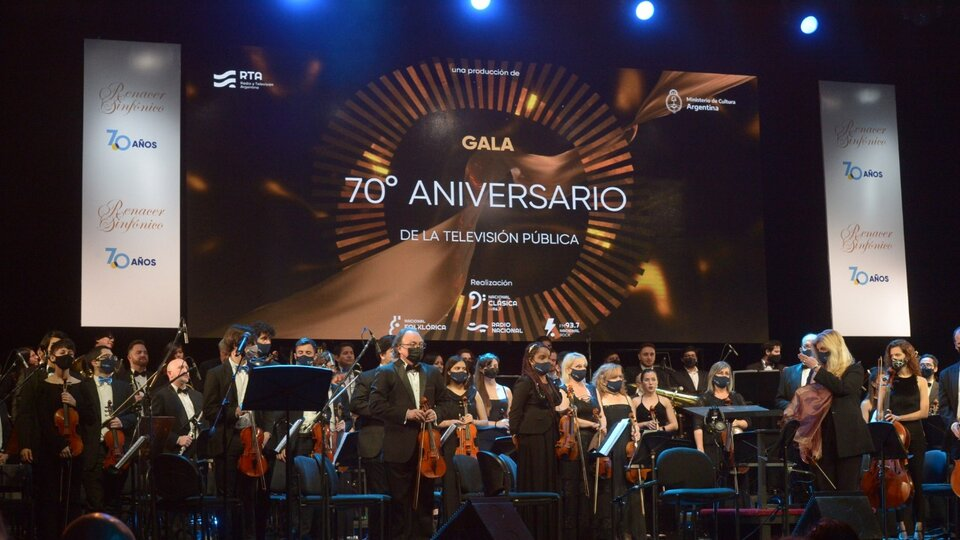 Celebrated 70 years of full orchestra TV Concert at the