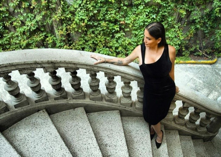 Celia Lora offers a chair of elegance and beauty to