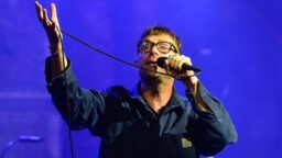 Damon Albarn premieres behind the scenes of his concerts on YouTube