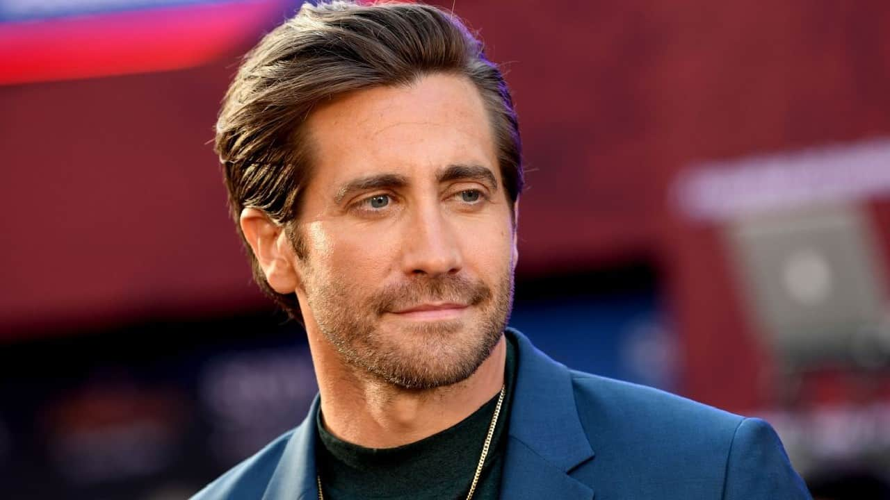 For Jake Gyllenhaal it was torture filming love scenes with
