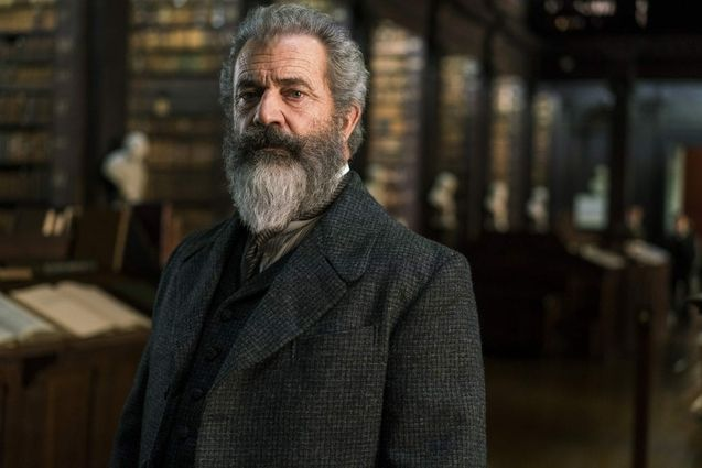 Hot Seat Mel Gibson literally has to save a hackers
