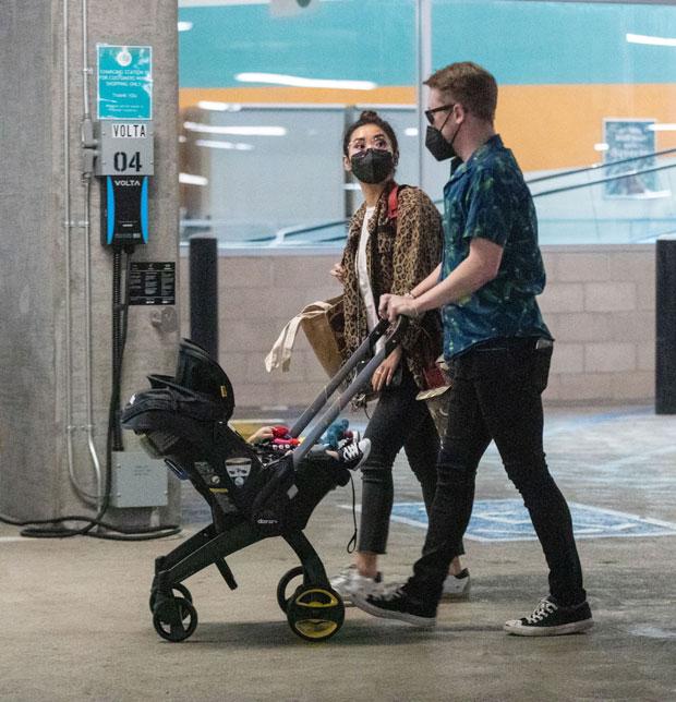 Macaulay Culkin and Brenda Song take son Dakota shopping in