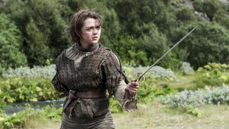 Maisie Williams Her looks her relationship with Reuben Selby Game