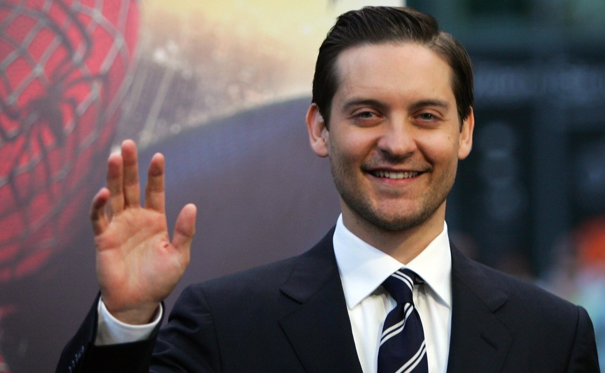 Marvel New Tobey Maguire Photo Confirms Spider Seen In Spider Man