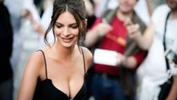 Model Emily Ratajkowski denounces singer Robin Thicke for sexual harassment
