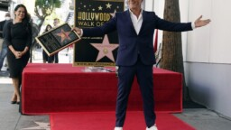 Sanz unveils star on the Hollywood Walk of Fame
