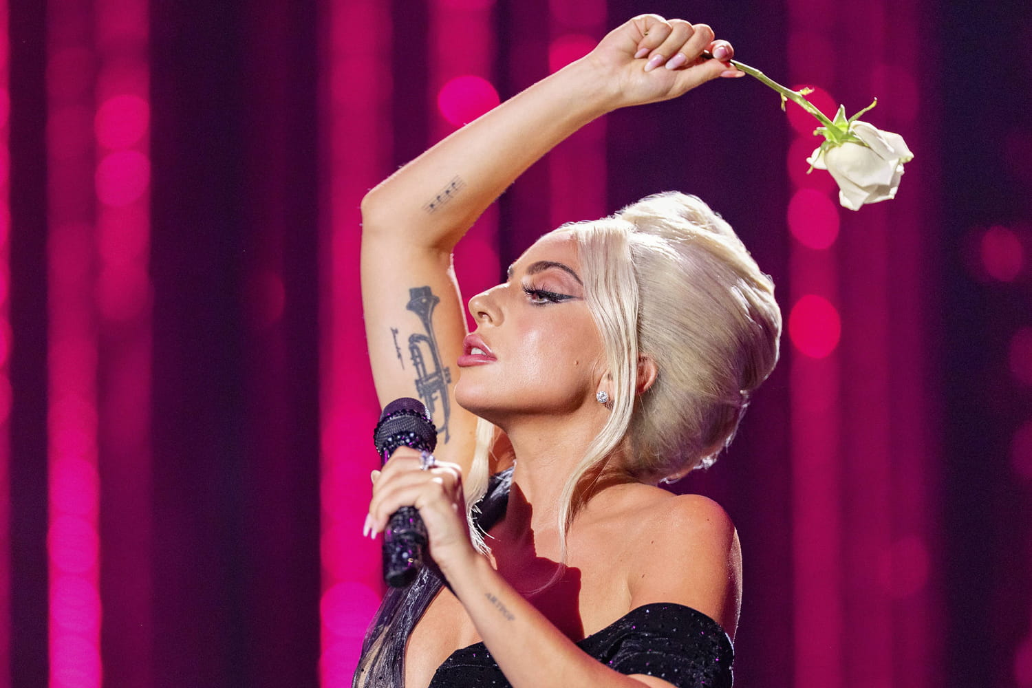 Streaming releases Lady Gaga Amel Bent Saint DX